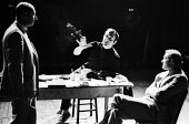 Director Harold Pinter and Donald Pleasance, Man In Cage by Robert Shaw, Cambridge Theatre 1967 - Romano Cagnoni - 05-07-1967