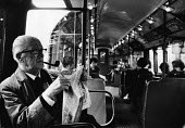 Labour Peer, Lord Fenner Brockway, founder and chairman of the Movement for Colonial Freedom, en route to Parliament on the northern line of the London underground tube network. .... - Romano Cagnoni - 25-10-1968