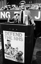 TUC conference, Brighton, 1982. Rodney Bickerstaffe, NUPE, speaking. - Stefano Cagnoni - 09-09-1982