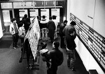 Unemployment Office in Newcastle in 1986 - Stefano Cagnoni - 12-05-1986