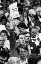 Labour Party delegate, Labour Party Conference, Blackpool, 1987 - Stefano Cagnoni - 01-10-1987