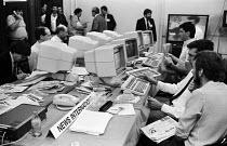 News International desk, Press Room, Labour Party Conference, Blackpool, 1987. - Stefano Cagnoni - 01-10-1987