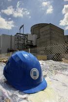 EDF nuclear power plant, in Le Blayais. French Electricity Board. EDF hard hat. - Antoine Marescaux - 02-06-2006