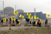 Protests continue as Greenpeace occupies EPR nuclear power station site for second day Anti nuclear protest against the construction by EDF of a reactor EPR Flamanville, France - Pierre GLEIZES - 27-04-2007