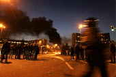 Urban riots in Toulouse (Southwestern France). Thick plume of smoke coming from the a bus, set ablaze, at the beginning of the 12th night of urban violence in the district of la Reynerie, Toulouse . C... - Jean Philippe Arles - 07-11-2005