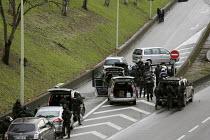 Arrival of armed CRS RAID police units, Paris - Hamilton - 09-01-2015