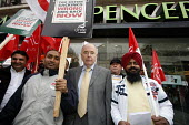 Demonstration by Unite the Union outside Marks & Spencer, Birmingham, in relation to the 59 sacked workers at Two Sisters Food Group related to a racist incident, seen here with Jack Dromey of Unite. - Roy Peters - 22-04-2000