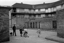 boarded-up shops & homes Benchill Manchester 25.3.88 - Stefano Cagnoni - 1980s,1988,child,CHILDHOOD,CHILDREN,depression,deprivation,DOWNTURN,estate,ESTATES,families,family,housing,juvenile,juveniles,kid,kids,Manchester,people,recession,recessions,SLUMP,SOI social issues,st