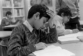 Children studying at Church of England primary school Nelson Lancashire 25.3.88 - Stefano Cagnoni - 25-03-1988