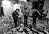 Youths playing truant, Dovecot Liverpool - Stefano Cagnoni - 27-05-1988