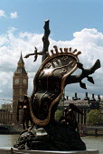Sculpture by Surrealist artist Salvador Dali sited opposite the Houses of Parliament on the River Thames - Stefano Cagnoni - 22-05-2000
