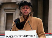 Musician & Campaigner Sir Bob Geldof addresses the thousands gathered at the Make Poverty History rally organised by a coalition of groups lobbying for an end to the debt crisis and calling for positi... - Stefano Cagnoni - 2000s,2005,activist,ACTIVISTS,CAMPAIGN,campaigner,campaigners,campaigning,CAMPAIGNS,coalition,DEMONSTRATING,DEMONSTRATION,DEMONSTRATIONS,EQUALITY,excluded,exclusion,HARDSHIP,impoverished,impoverishmen