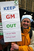 Campaigners lobby Parliament urging government to resist pressure to include genetically modified materials in food production in Britain - Stefano Cagnoni - 23-02-2005
