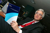Lord Turner in his office with the Pensions Commission Report on the eve of its official publication - Stefano Cagnoni - 29-11-2005