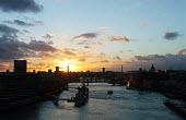 Sunset on the River Thames. - Stefano Cagnoni - 02-04-2006
