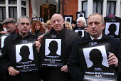 UCAAT members join other British union members picketing the Columbian Embassy in protest at the deaths of 84 Columbian trade union members in 2006 - Stefano Cagnoni - 20-03-2007