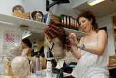 Women at work in the Wigs department at Covent Garden's Royal Opera House - Stefano Cagnoni - 23-06-2008