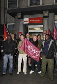 Official picket line early ni the morning at Mount Pleasant sorting office in London on the first day of a two day national strike by CWU members in Royal Mail - Stefano Cagnoni - 22-10-2009