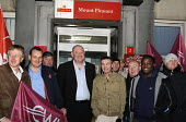 Dave Ward, Deputy General Secretary of the CWU, joins his members in buoyant mood, on an early morning picket line at Mount Pleasant sorting office in London on the first day of a two day national str... - Stefano Cagnoni - 22-10-2009
