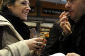Spaniards enjoying tapas at a tapas bar in central Madrid, Spain. - Stefano Cagnoni - 20-02-2013