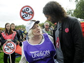 TUC Britain Needs A Pay Rise national demonstration and rally, 2014, London. Lorraine, UNISON member from Basildon with Russell Brand. - Stefano Cagnoni - 18-10-2014