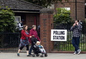 General Election, 2015. Polling station, Holloway, north London. - Stefano Cagnoni - 07-05-2015