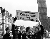 Ken Livingstone with Tony Banks, Andy Harris and Valerie Wise 1982 on the top deck of London bus promoting the GLC Fair Fares Campaign, London. The policy of low fares on public transport, opposed by... - Stefano Cagnoni - 1980s,1982,bus,bus service,BUSES,candidate,CANDIDATES,deck,Fair,Fares,GLC,Greater London Council,independent,Ken,Livingstone,local authority,London,MAYOR,Mayoral,MAYORS,POL politics,public,Red,service