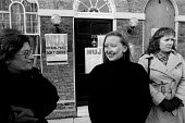 NUJ strike and picket line at Labour Party Headquarters in Walworth Road, south London in 1987 - Stefano Cagnoni - 12-11-1987