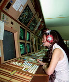 London Air Traffic Control at West Drayton, near Heathrow Airport. The Government has plans to privatise the national Air Traffic Services (NATS) - Stefano Cagnoni - 12-09-1994