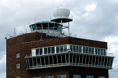 Control Tower at Heathrow Airport. The Government has plans to privatise the national Air Traffic Services (NATS) - Stefano Cagnoni - 12-09-1994