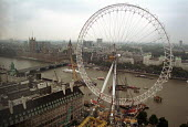 The London Eye Millennium Wheel - the wheel built totally by private finance is the fourth tallest structure in London and will become the highest accessible viewpoint in the Capital following its com... - Stefano Cagnoni - 20-10-1999