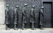 Artist George Segal's sculpture titled 'Depression Breadline' 1999. Cast in bronze, five men are in line, represents a scene from the Great Depression, a period of economic hardship. New Jersey, USA. - Steven Langdon - 1929,2000s,2008,ACE,ace art arts culture American,America,art,Artist,ARTISTS,artwork,artworks,bread,charitable,charity,culture,deindustrialisation,Deindustrialization,depression,DOWNTURN,EBF,Economic,