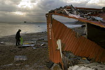 MSC Napoli wrecked off the Devon Coast, Branscombe - Sam Morgan Moore - 22-01-2007