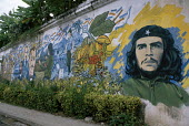 A painted wall mural depicting Che Guevara. - Janina Struk - 20-12-1998