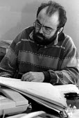 Writer Andy Hamilton reading the script on the film set of the popular television series, Drop The Dead Donkey - Janina Struk - 1990s,1994,ace,author,authors,capitalism,capitalist,cities,city,comedian,comedians,comedy,communicating,communication,culture,Dead,Donkey,employee,employees,Employment,ENTERTAINER,ENTERTAINERS,enterta
