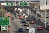 Heavy eastward moving traffic travelling from the Fore Street Tunnel, Edmonton, along the A406 North Circular Rd, north east London - John Sturrock - 11-04-2005