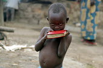 Burundi refugee child in Gikeme camp near Butare, Rwanda 2004 - Boris Heger - 01-09-2004