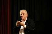 Daniel Barenboim the guest speaker at the BBC Reith Lectures in Jerusalem. The Israeli conductor, who often visits and conducts in Ramallah on the West Bank spoke about his music and the Israeli - Pal... - Thomas Morley - ,2000s,2006,ACE arts culture,Bank,BANKS,BBC,conductor,conductors,Israeli,Israelis,Jerusalem,Middle East,palestinian,palestinians,Ramallah,SERVICE,SERVICES,soi social issues