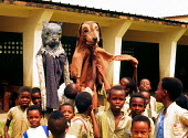 Reconciliation puppet play in Burundi school supported by UNICEF. Bujumbura, Burundi. 1995 - Howard Davies - 03-05-1995