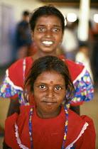 Tamil refugee children returning home having been refugees in India. Mannar Island reception centre, Sri Lanka. 1995 - Howard Davies - 03-05-1995