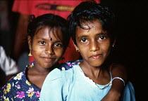 Tamil refugee children returning home having been refugees in India. Trincomalee reception centre, Sri Lanka. 1995 - Howard Davies - 03-05-1995