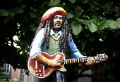 Bob Marley statue outside Bob Marley Memorial Museum at his former house in Kingston, Jamaica 1997 - Howard Davies - 03-08-1997