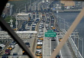 Commuters in their cars in rush hour traffic jam viewed from the Brooklyn Bridge, New York, USA 2006 - Howard Davies - 21-05-2006