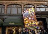 Protest by CAFT, the Coalition to Abolish the Fur Trade, outside Harrods, the only UK department store to continue selling fur products. London, UK 2007 - Howard Davies - 10-11-2007