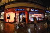 Branch of the Alliance and Leicester bank recently acquired by the Santander Banking Group, in Brighton. - Howard Davies - 27-11-2008