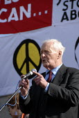 Tony Benn former Labour MP speaks at the The Yes We Can protest representing a coalition of campaigning groups London, UK 2009 - Howard Davies - 2000s,2009,activist,ACTIVISTS,adult,adults,against,anti war,Antiwar,CAMPAIGN,Campaign for Nuclear Disarmament,campaigner,campaigners,campaigning,CAMPAIGNS,CND,CND Symbol,coalition,DEMONSTRATING,demons