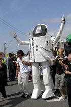 Spaceman model on the Children's Parade opening Brighton Festival, Brighton, UK 2009 - Howard Davies - 02-05-2009