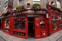 The Temple Bar pub in the historic Temple Bar district of Dublin, Ireland 2008 - Howard Davies - 2000s,2008,ACE,alcohol,Bar,BARS,Culture,drink,drinking,drinks,Dublin,EBF,Economic,Economy,eu,Europe,european,europeans,eurozone,heritage,historic,holiday,holiday maker,holiday makers,holidaymaker,holi