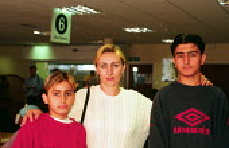 Asylum seeking family at the Refugee Council centre, London. - Howard Davies - 01-08-2001