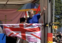 Gay Minister at the Gay Pride Parade in Brighton, UK 2007 - Howard Davies - 04-08-2007